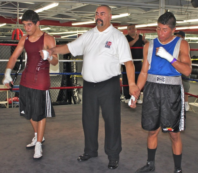 In Bout #10, it was Elias Diaz (L) of Bad Boxing getting the win over Alfonzo Ponce of the Punch Out Gym in Anaheim.