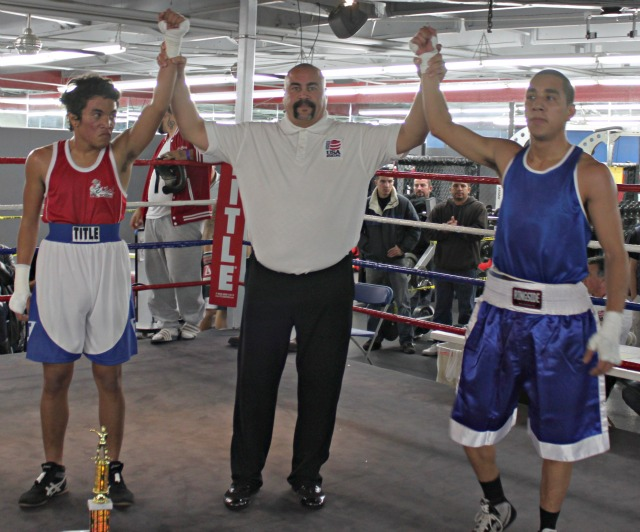 In Bout #16, it was Wilson Guzman (R) of the Grace Boxing Club in Palmdale, CA getting the win over Elijah Dasher of Cital Boxing & Nutrition of San Diego.
