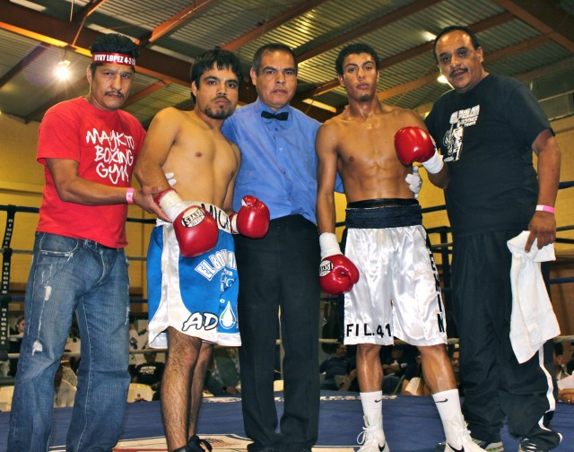 On October 27, 2012, Carlos Carlson (r) got a knockout victory over Francisco Javier Lopez in Tecate, B. C., Mexico. Photo: Jim Wyatt