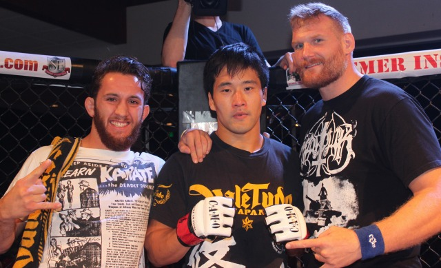 Among the corner people assisting  Shohei Yamamoto was Josh Hartnett a top heavyweight in the UFC.