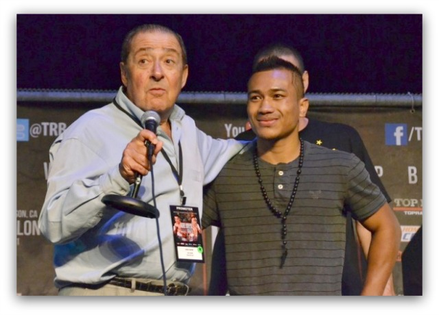 Bob Arum (left)  lays it on thick after Mercito Gesta's first win under the Top Rank, Inc.