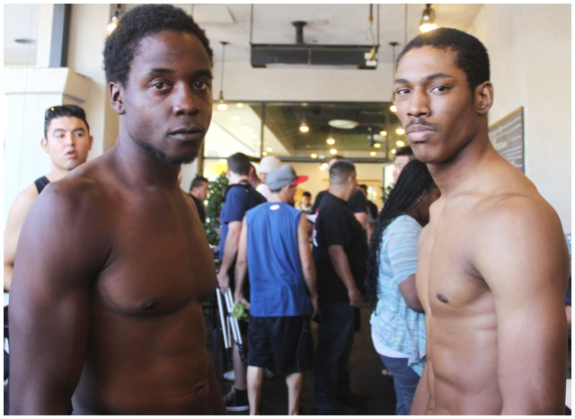 Tevin Watts weighed 152 while Elliot Seymour (r) weighed 153.
