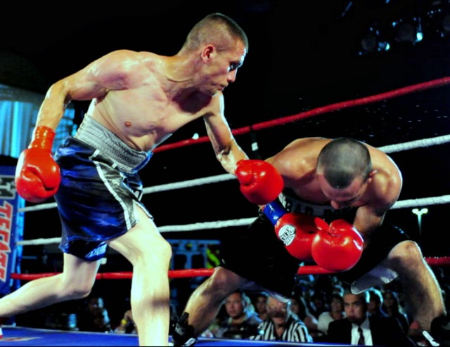 """Bout #3 was a four rounder between super featherweight Ali Gonzalez (5-2-0-1 KO) of Tijuana going up against 27 year-old super bantamweight Raymond """"Bad Boy"""" Chacon (5-8) of Northridge, CA."""