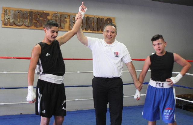 A tale to tell your kids, your grankids: In his Amateur debut, Elijah Garcia of Hammer Boxing in Phoenix, Arizona came 500 miles to San Diego to earn his first Amateur victory. Photo: J. Wyatt