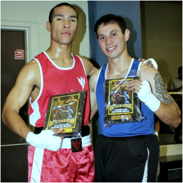 After their contest, David Gates (l) and Anthony Gronich (r) posed for photos. Photo: Jim Wyatt