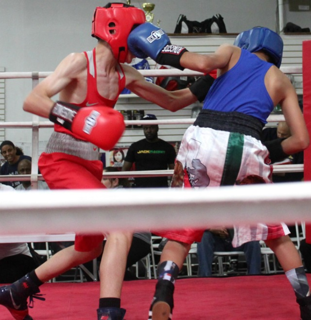 "In Bout #5 we see Fernando Diaz (l) landing a at the very same time as ""The Mexican"" Julian Esteban Rojas lands his solid left hook."
