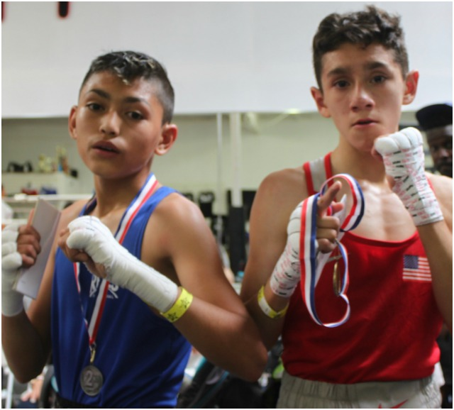 The victorious At the conclusion of their contest, Fernando Diaz (r) and Julian Rojas pose for poses